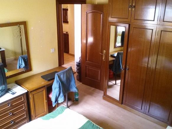 Se alquilan habitaciones en piso zona centro de santander for Pisos centro santander